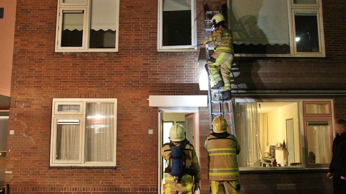 Bewoners nemen vreemde lucht waar in woning aan de Bloemstraat in Steenwijk