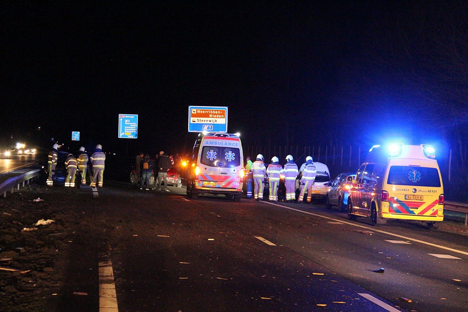 Snelweg A32 bij Steenwijk afgesloten na ongeval met meerdere voertuigen