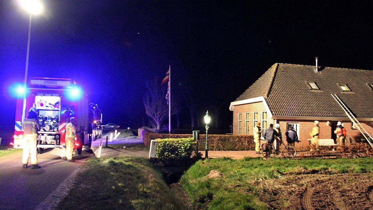Schoorsteenbrand aan de Dwarsweg in Eesveen