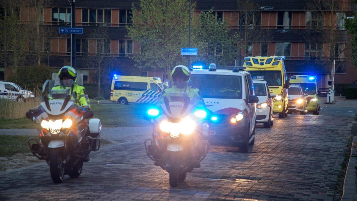 SPECIAL: Eerbetoon van hulpverleners aan zorgmedewerkers in Lelystad
