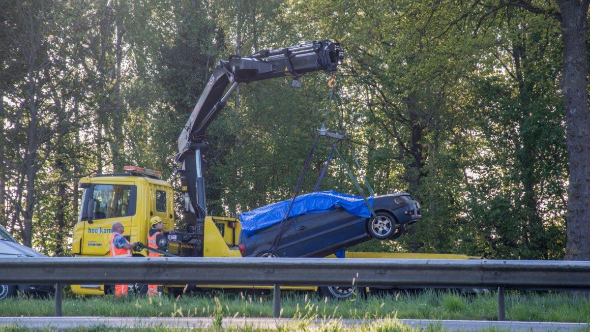 Auto vermiste Limburger uit het water gehaald bij Meppel