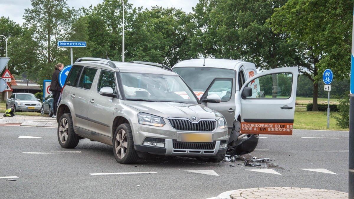 Veel schade bij ongeval op Oldemarktseweg bij Steenwijkerwold