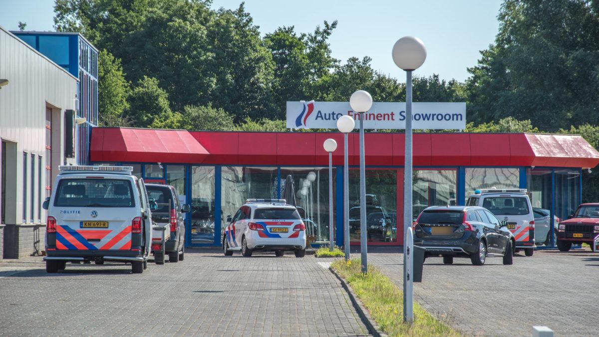 Inval bij autobedrijf op industrieterrein in Steenwijk