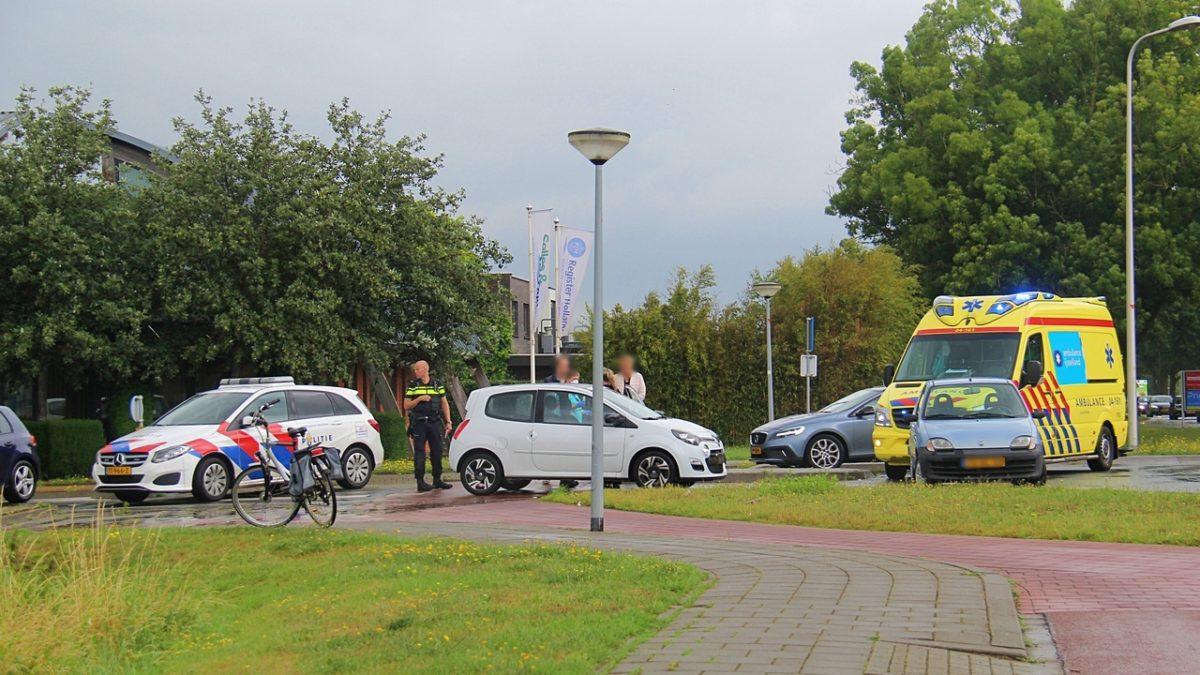 Fietser raakt ten val bij aanrijding op de rotonde Eesveenseweg in Steenwijk
