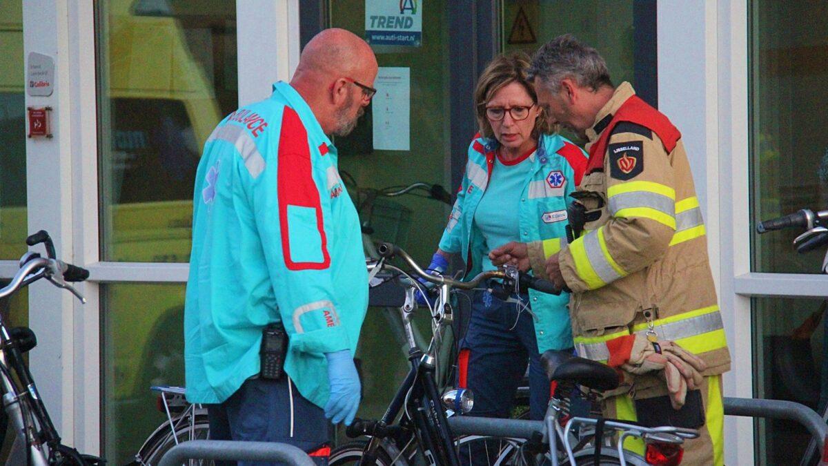 Brandweer bevrijdt met hand beknelde fietser