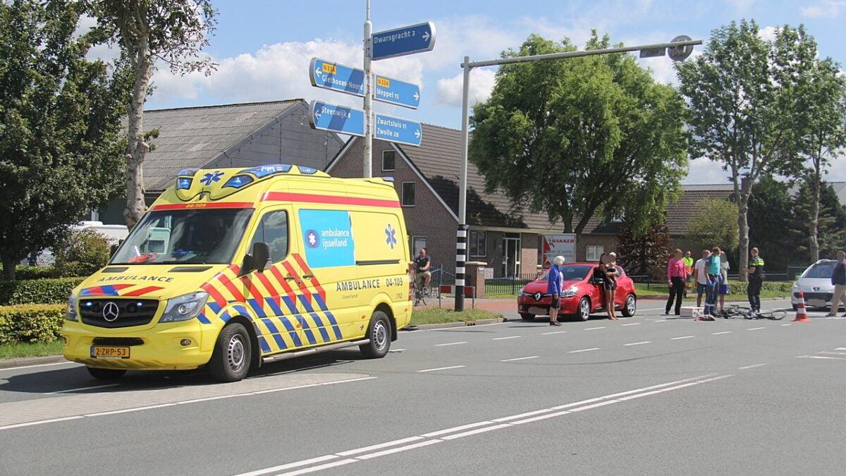 Fietser ernstig gewond bij ongeval op de Beulakerweg in Giethoorn