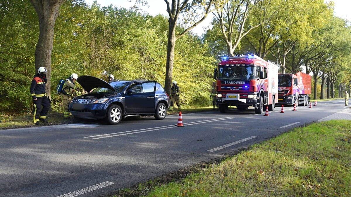 Autobrand op de Van Helomaweg in Darp
