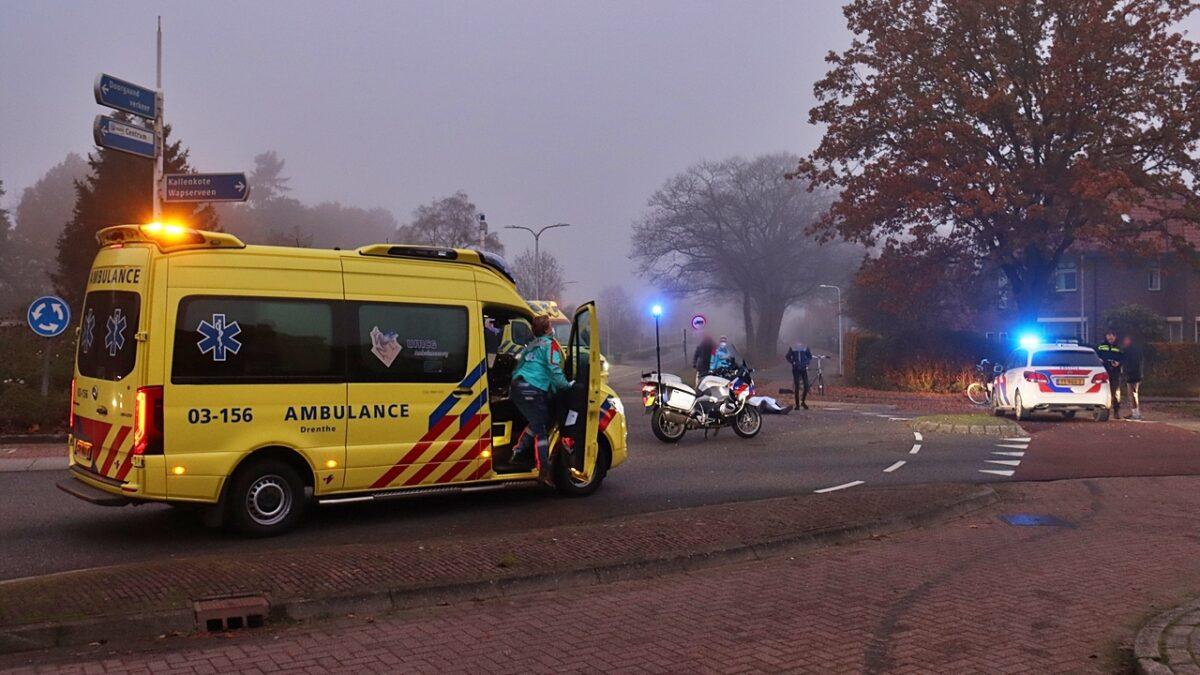 Fietser gewond bij aanrijding op rotonde aan de Gagelsweg in Steenwijk