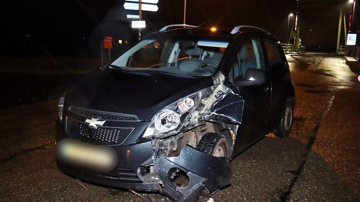 Ongeval tussen een tractor en personenauto in Wetering