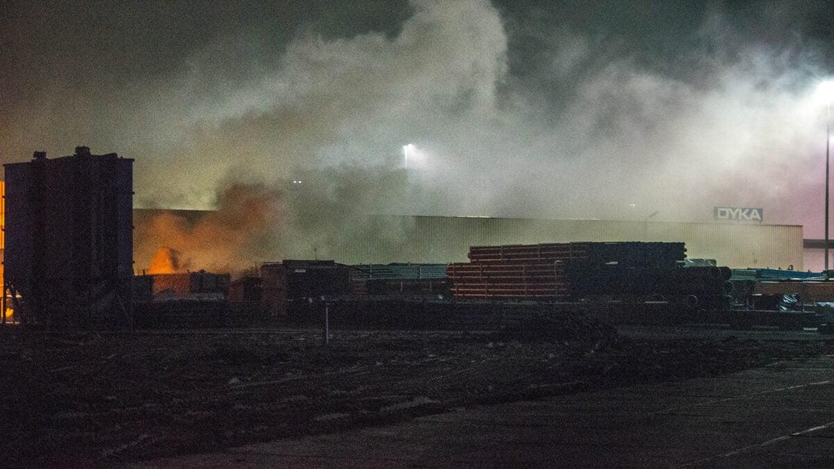 Brand in container bij Dyka in Steenwijk