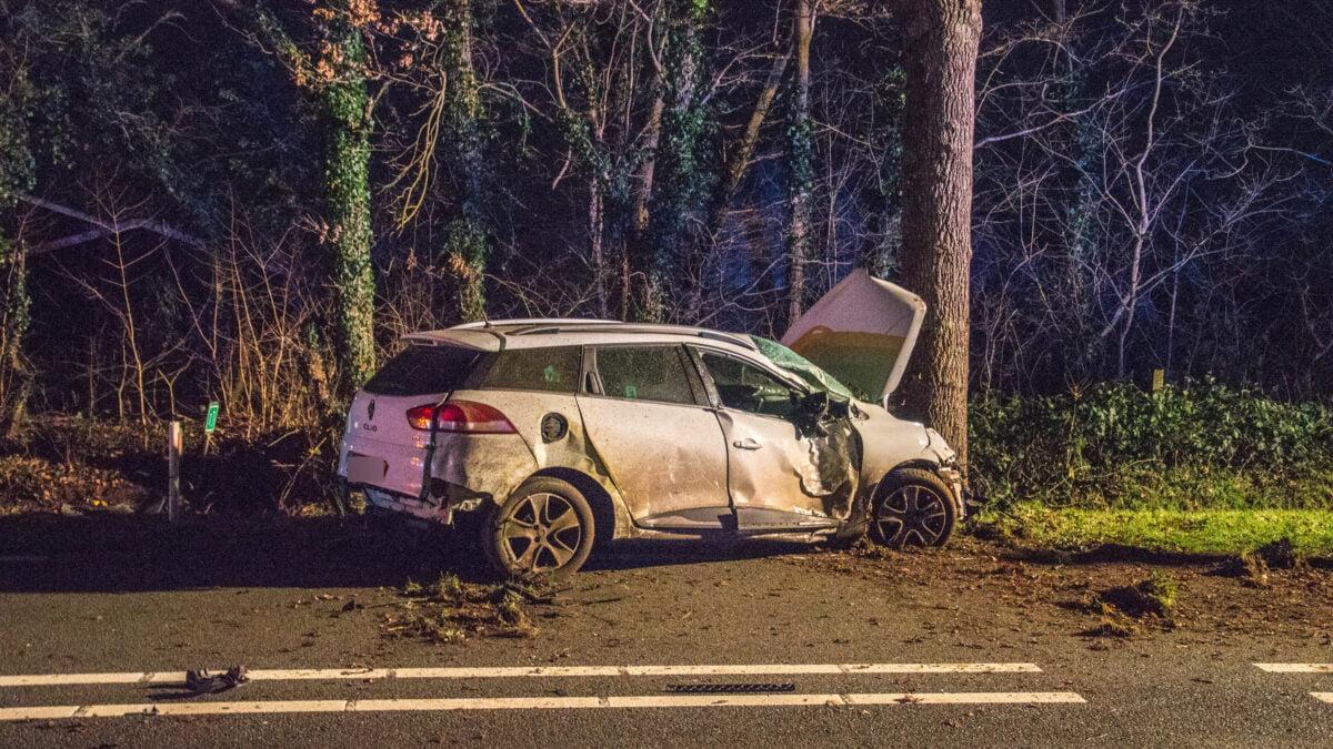 Bestuurster onder invloed veroorzaakt eenzijdig ongeval in Paasloo (Video)