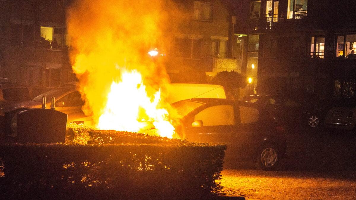 Auto uitgebrand op parkeerplaats in Steenwijk