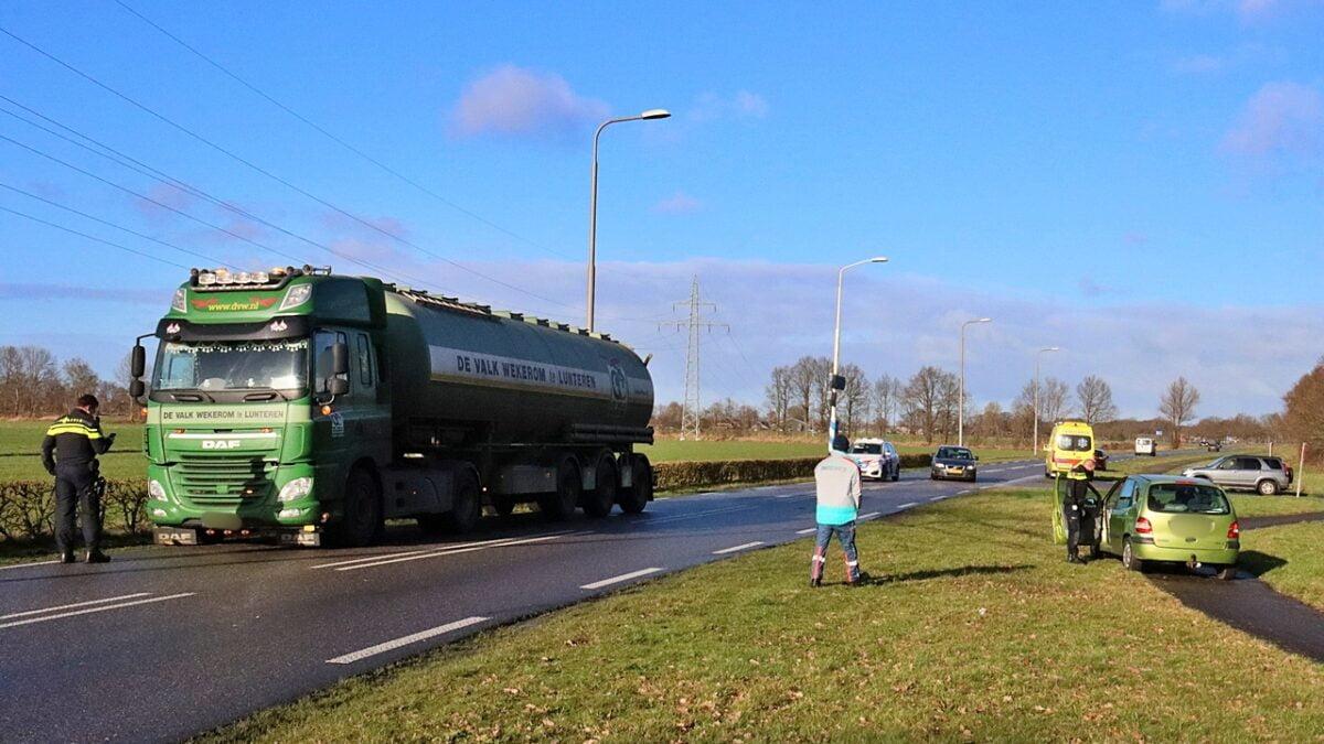 Aanrijding tussen vrachtwagen en personenauto op de Nijeveen bij Meppel