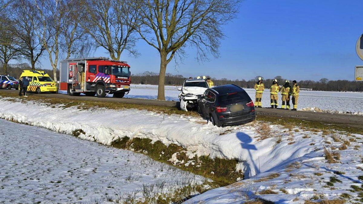 Ongeval met drie voertuigen op de Osseweidenweg tussen Havelte en Oosteinde