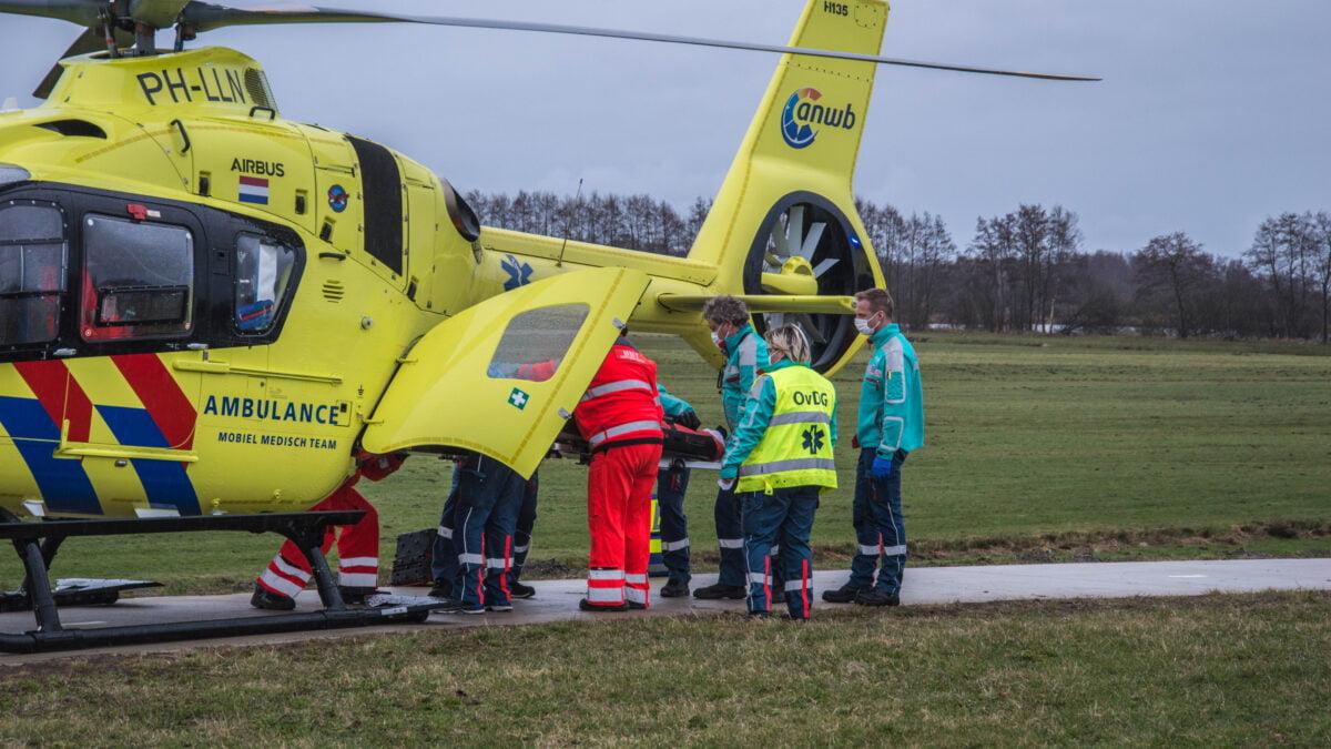 Fietser ernstig gewond na aanrijding op N333