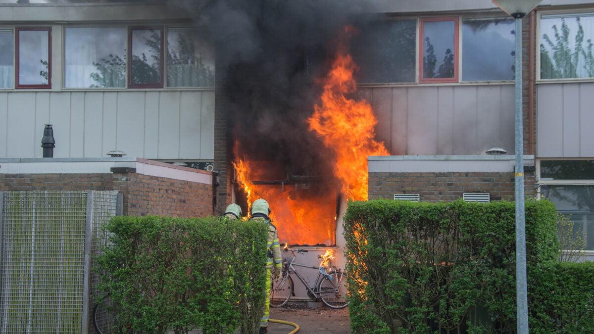 Woning brandt volledig uit in Steenwijk