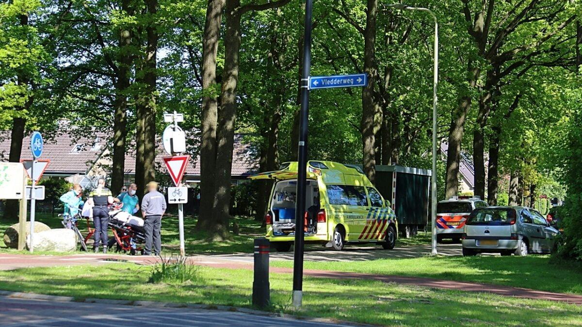 Fietser gewond bij aanrijding in Vledder